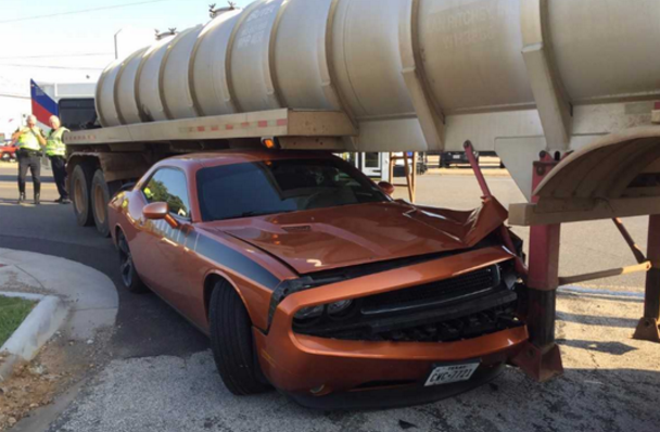 Car trapped underneath 18 wheeler 09.06.17_1504716904351.PNG