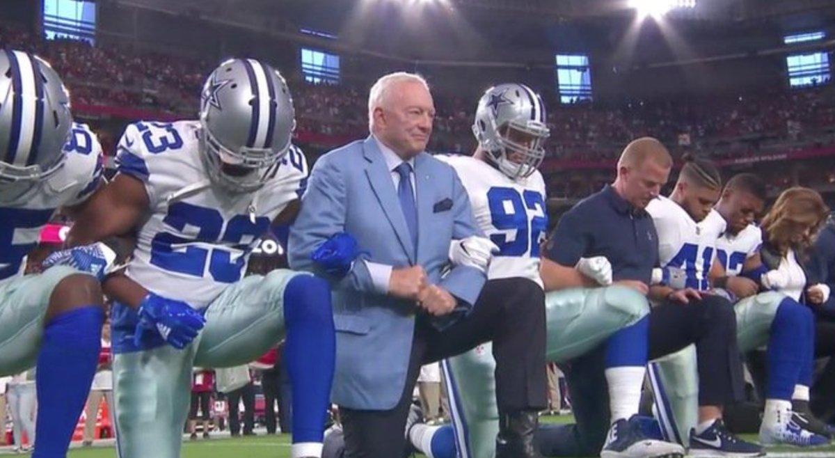 Cowboys kneeling_1506388272957.jpg