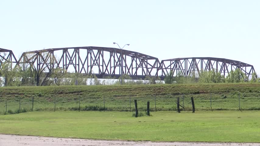 DOTD to hold public meeting for Jimmie Davis Bridge project_01842667