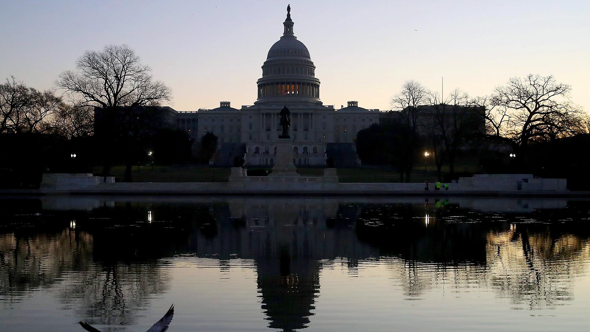 US Capitol reflection pond-159532.jpg21378383