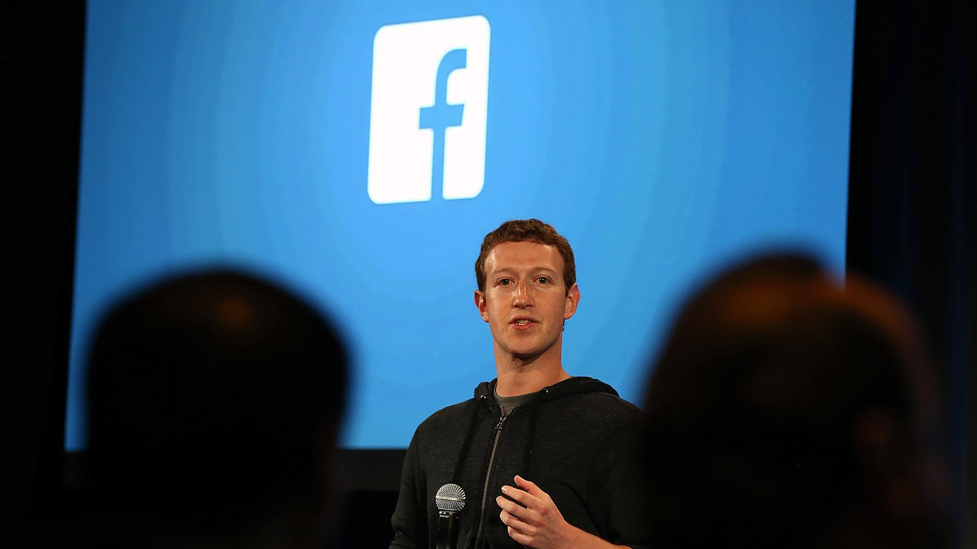 Mark Zuckerberg speaks at Facebook headquarters-159532.jpg79732150