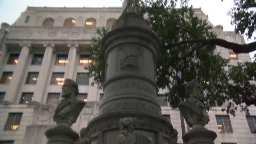 Committee votes to remove Caddo Confederate monument_80990698