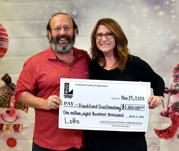 Couple finds winning lotto ticket_1542766324027.jpg.jpg