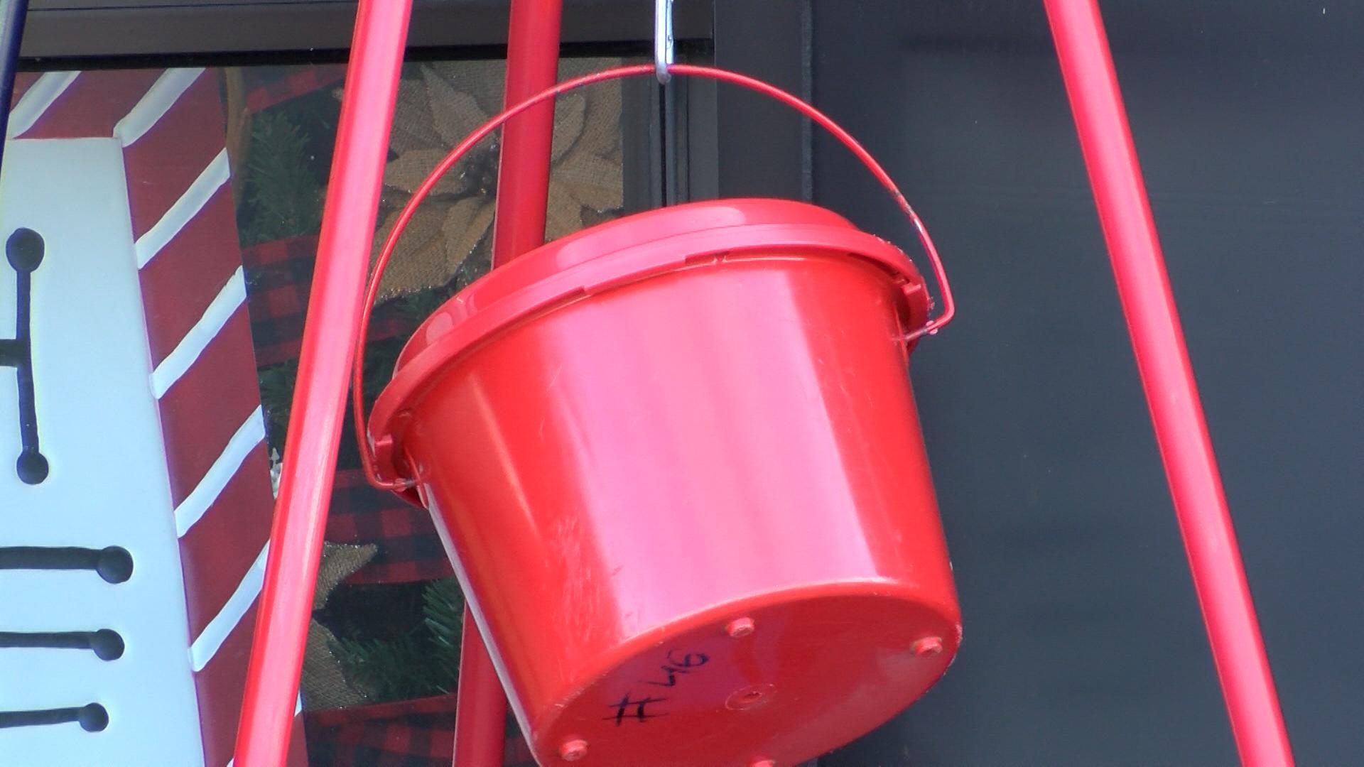 red kettle_1541804140769.jpg.jpg