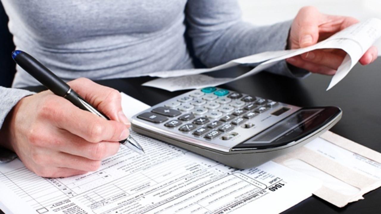 taxes-calculator-money-finances_1521493416496_353181_ver1_20180320054504-159532