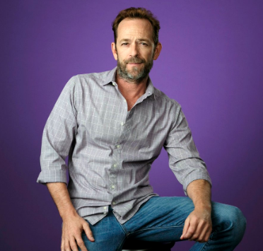Luke Perry dies at 52 03.04.19_1551722847121.PNG.jpg