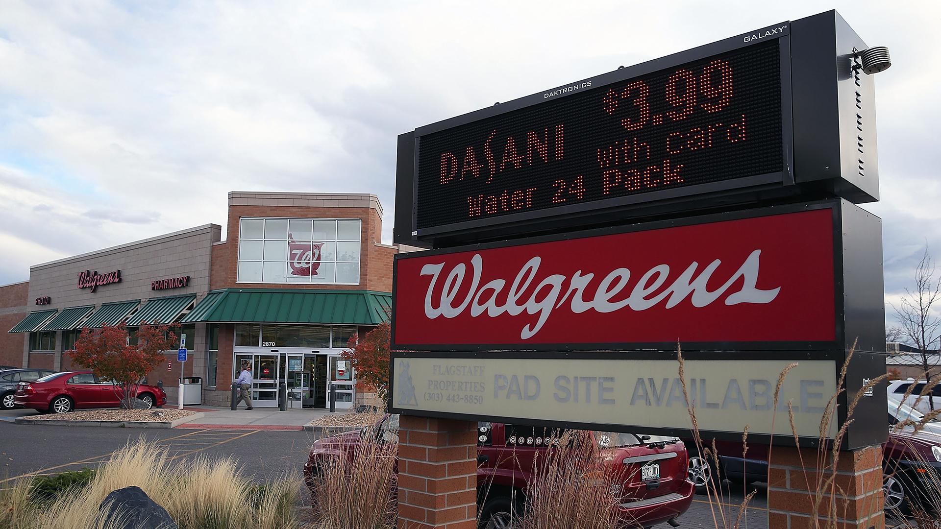 Walgreens Storefront-159532.jpg02950136