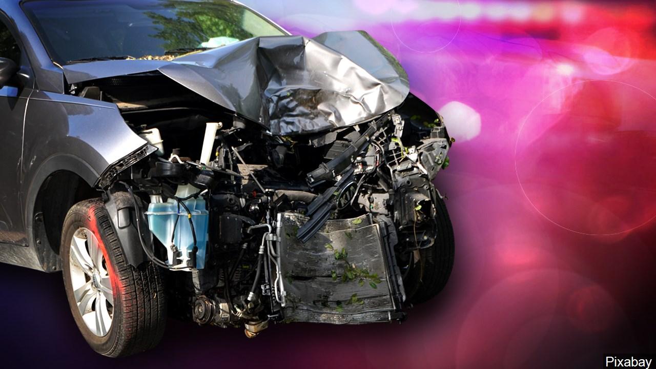 car wreck-3156084
