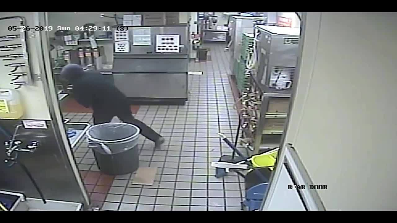 Marshall Police looking for Whataburger robbery suspect