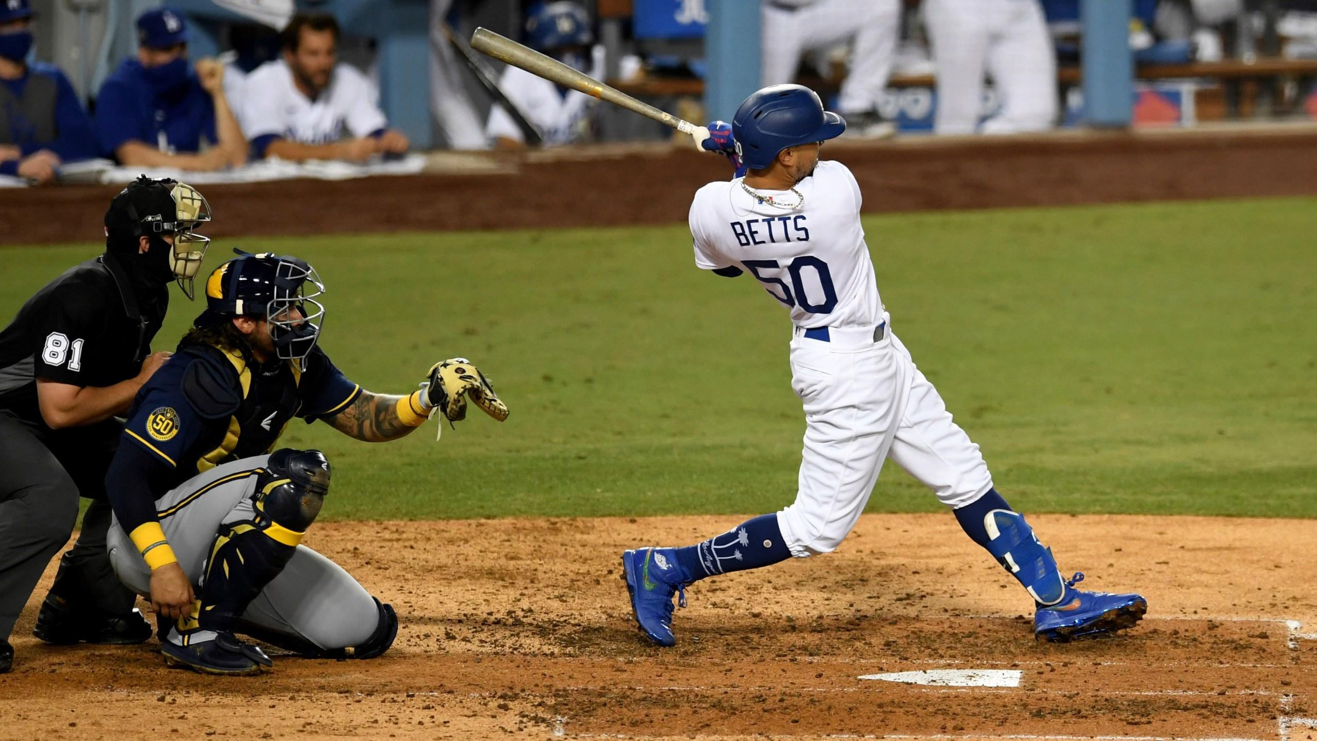 Walk In New Park Dodgers Open Nlds With 5 1 Win Over Padres Arklatexhomepage